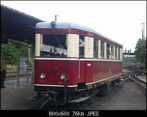 Нажмите на изображение для увеличения.  Название:Triebwagen VT 137 322 kommt am 05.07.2008 gegen Mittag in Radebeul Ost an.jpg Просмотров:17 Размер:75.6 Кб ID:29227