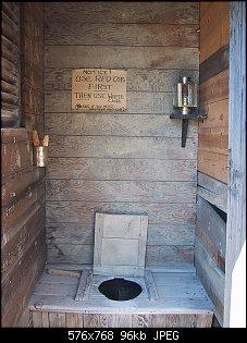 Нажмите на изображение для увеличения.  Название:576px-1880_town_outhouse.jpg Просмотров:19 Размер:96.2 Кб ID:11524